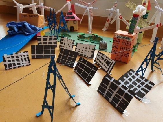 002 Polje soncnih elektrarn